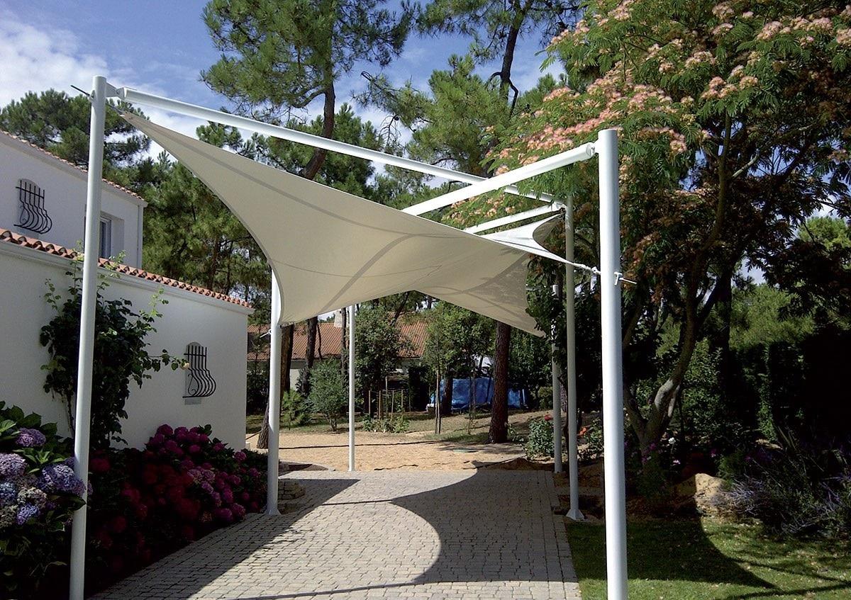 Structure textile pour allée couverte résistante