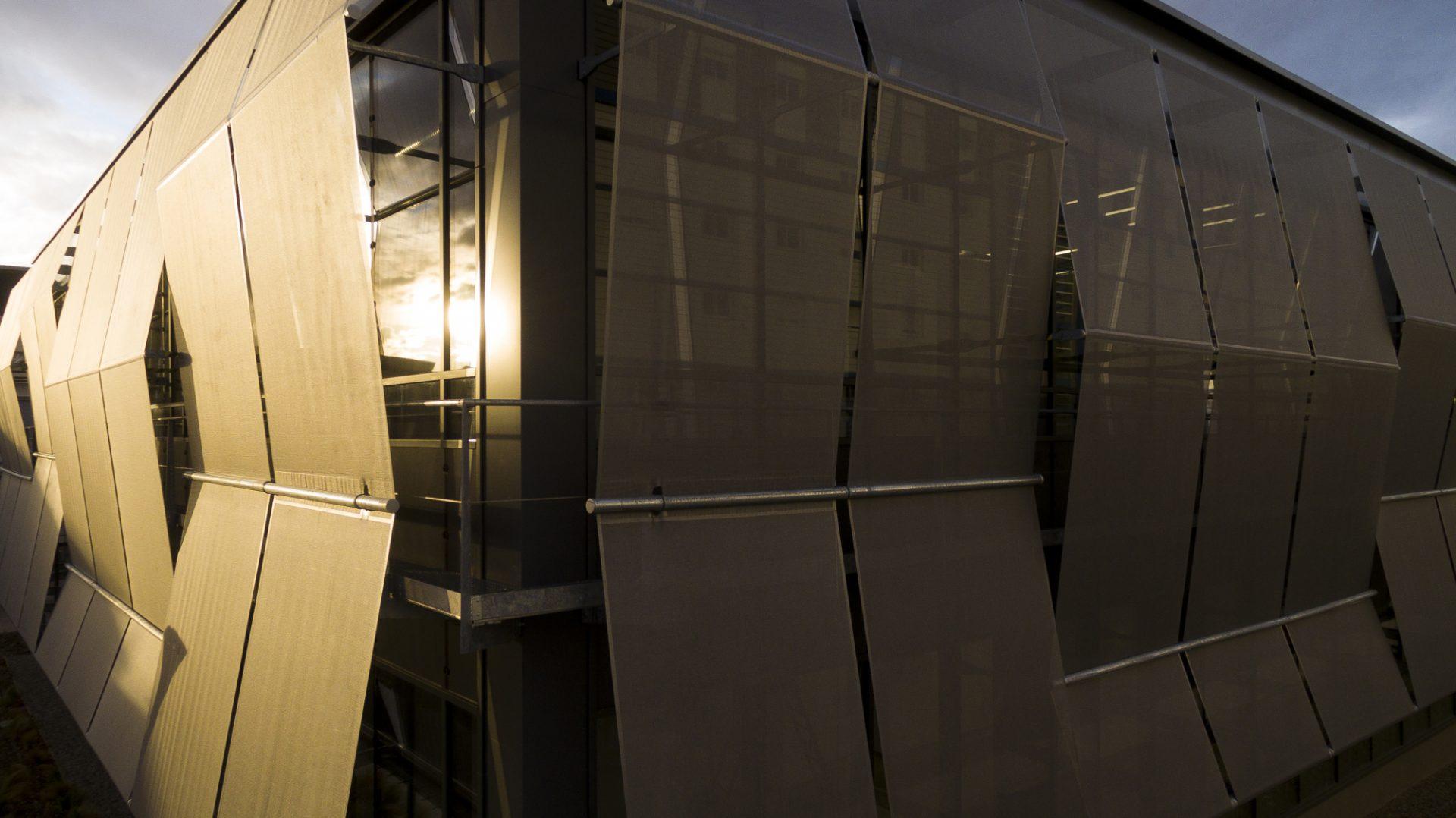 Façade textile du bâtiment Axel One Lyon