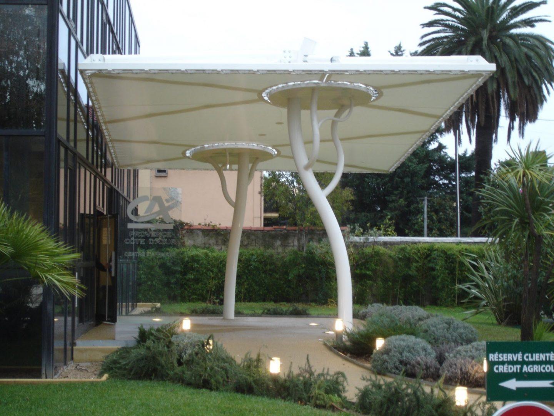 Structure d'ombrage pour entrée