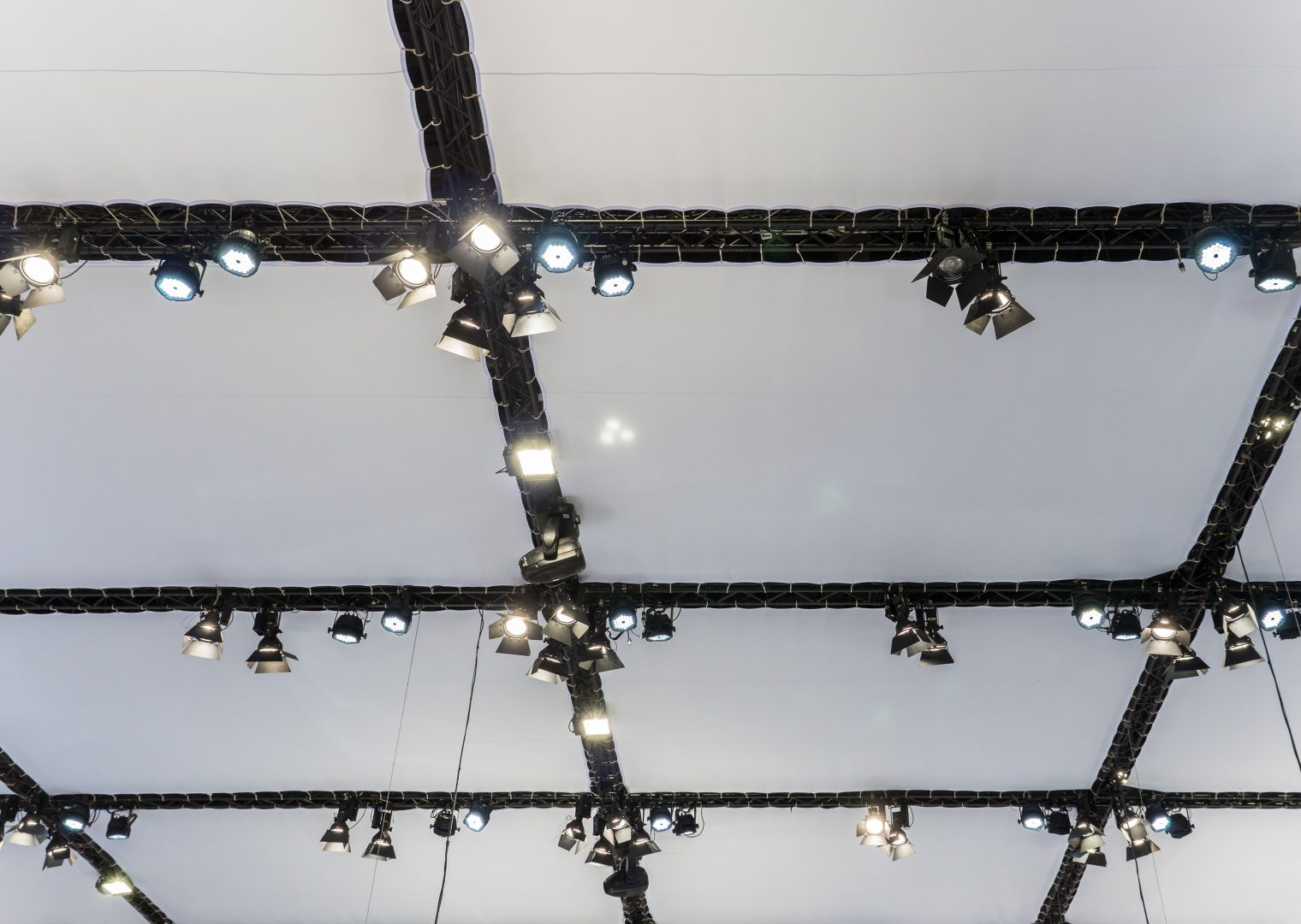 modules textile pour plafond scénique