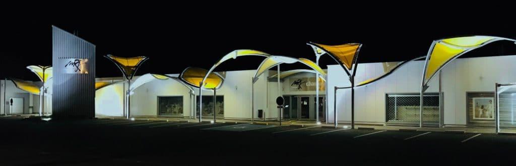 Photo de l'installation vue de nuit
