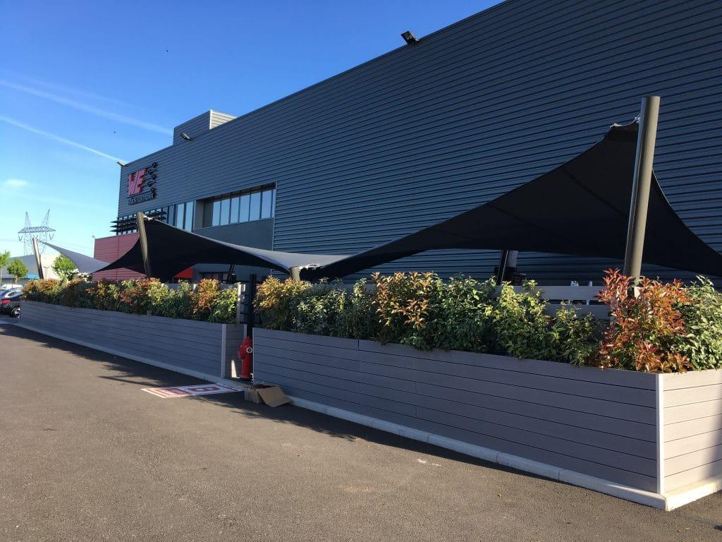 Structure textile légère : Protéger une terrasse sportive