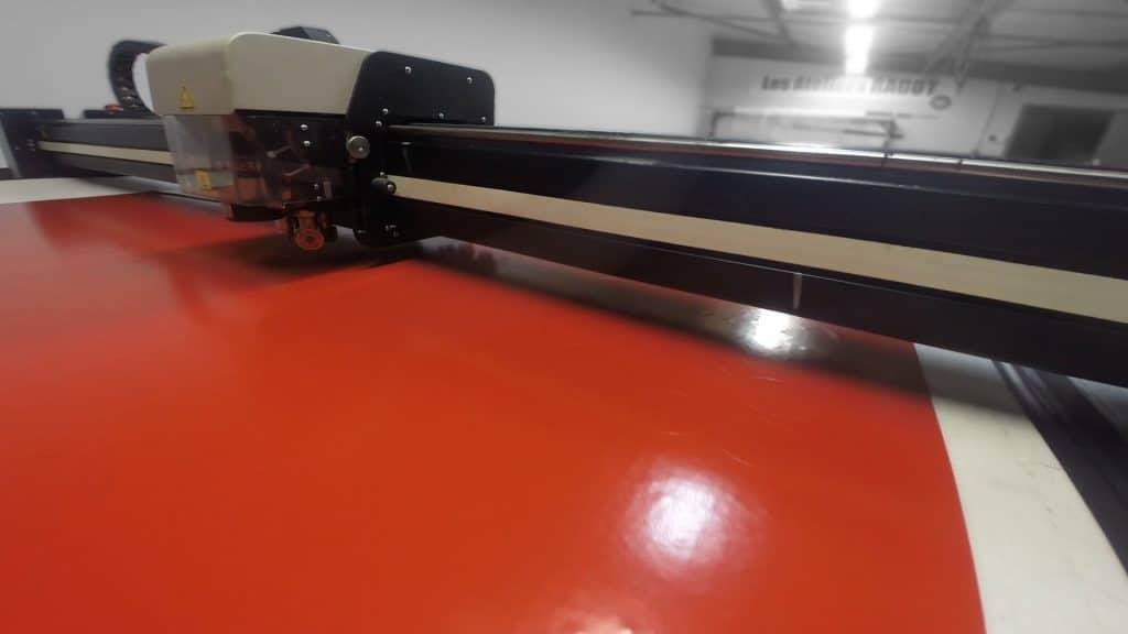 Focus sur une machine de découpe numérique